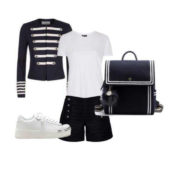 С жакетом в милитари стиле сочетаются многие элементы одежды, в том числе шорты и футболки