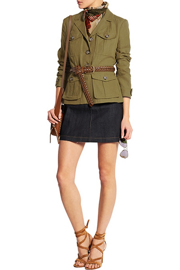 Милитари пиджак женский может быть дополнен всеми элементами из арсенала аксессуаров