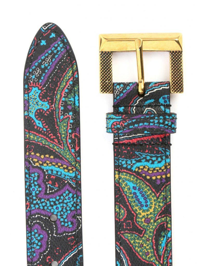 Кожаные ремни с узором пейсли – любимый аксессуар дам, стремящихмя всегда быть в тренде