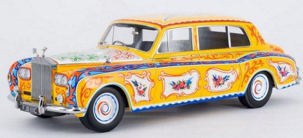 «Битлз» привезли из Индии новую моду на пейсли – они появились не только на одежде, но и на автомобиле Леннона