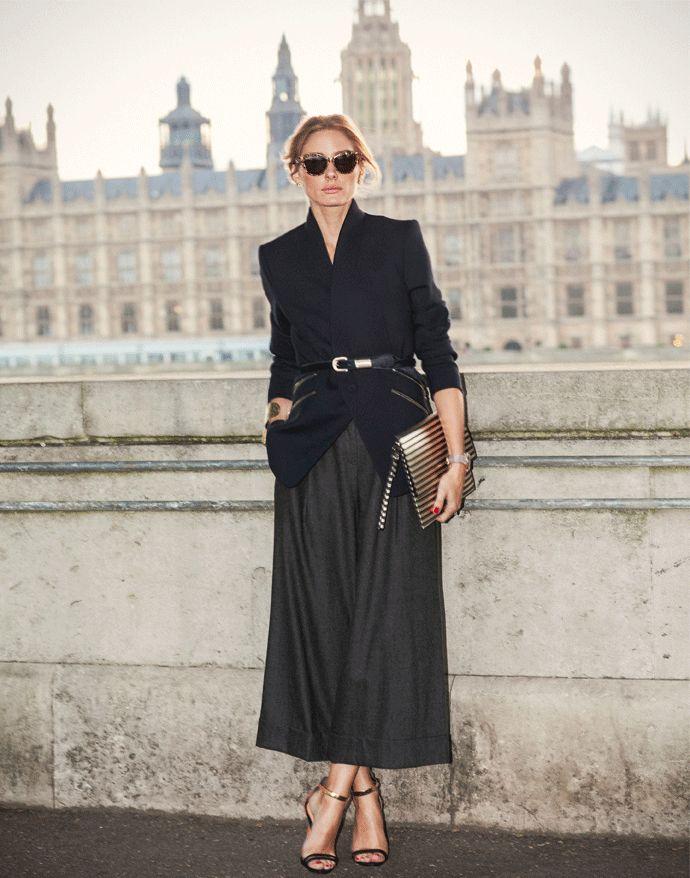 Брюки палаццо с приталенным пиджаком - это элегантный ансамбль для истинной леди.
