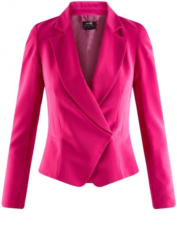 Яркий жакет для эффектных и смелых луков разнообразит осенний гардероб.