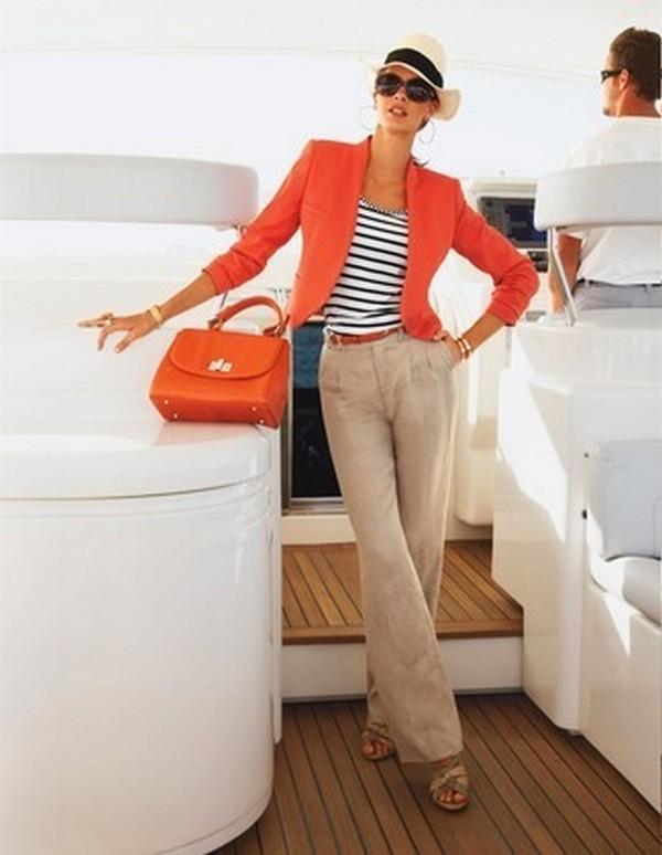 Летний вариант сочетания с льняным пиджаком – легкие широкие брюки