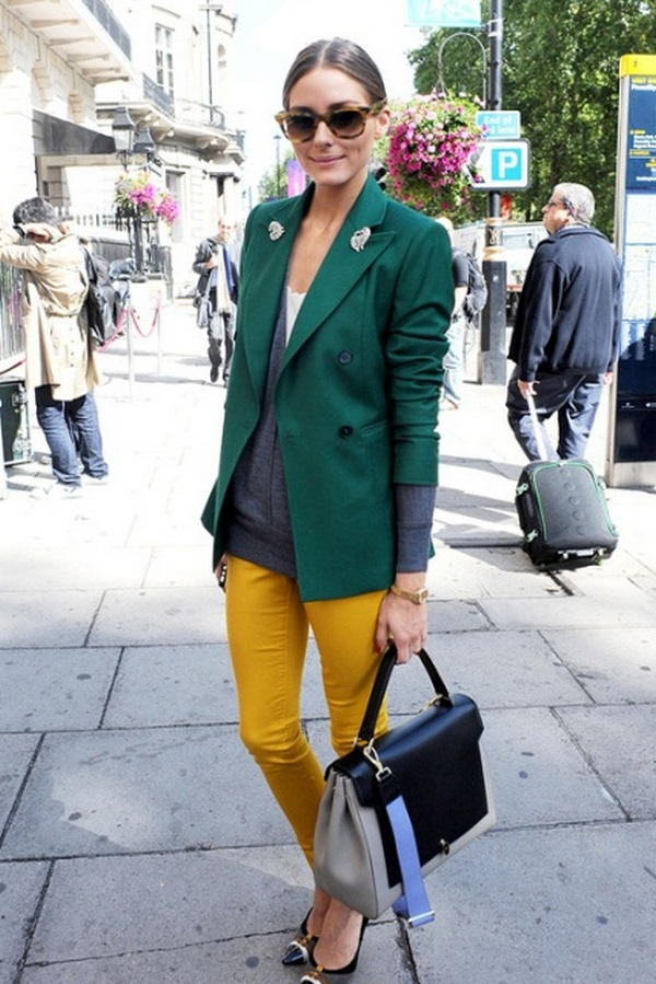 Ярко желтые укороченные джинсы и зеленый удлиненный пиджак – необычный тандем, привлекающий внимание
