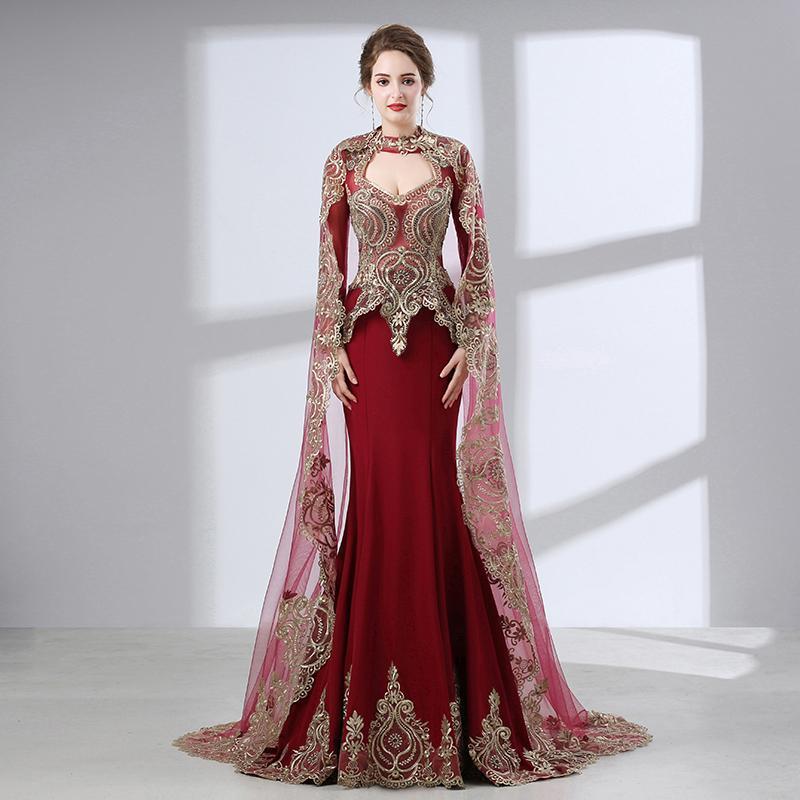Правильно подобранное с учетом всех нюансов вечернее платье вмиг превращает женщину в загадочную красавицу