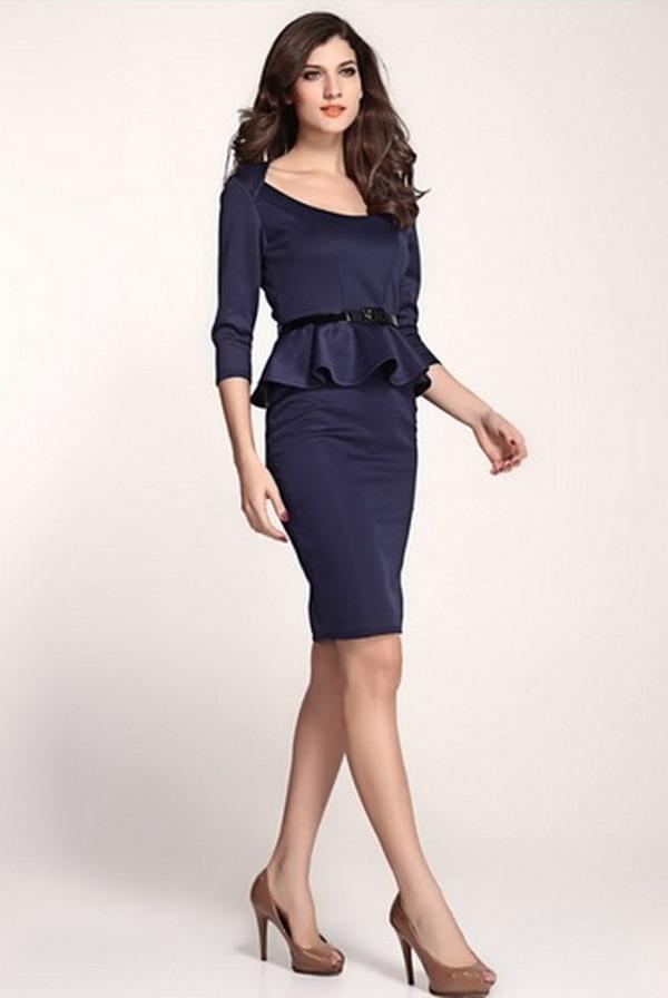 Баски, воланы, разграничение верхней и нижней части – такие элементы вечернего платья зрительно скорректируют фигуру «прямоугольник»