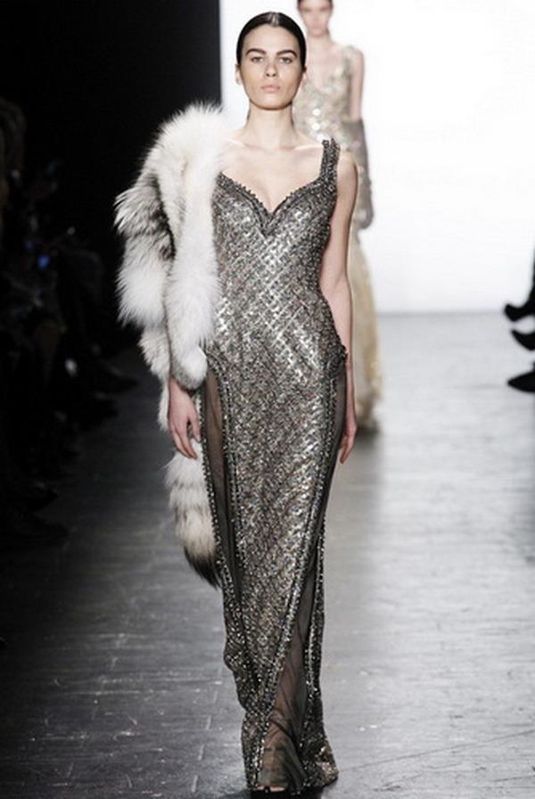 Отличное дополнение классического вечернего платья – меховая накидка
