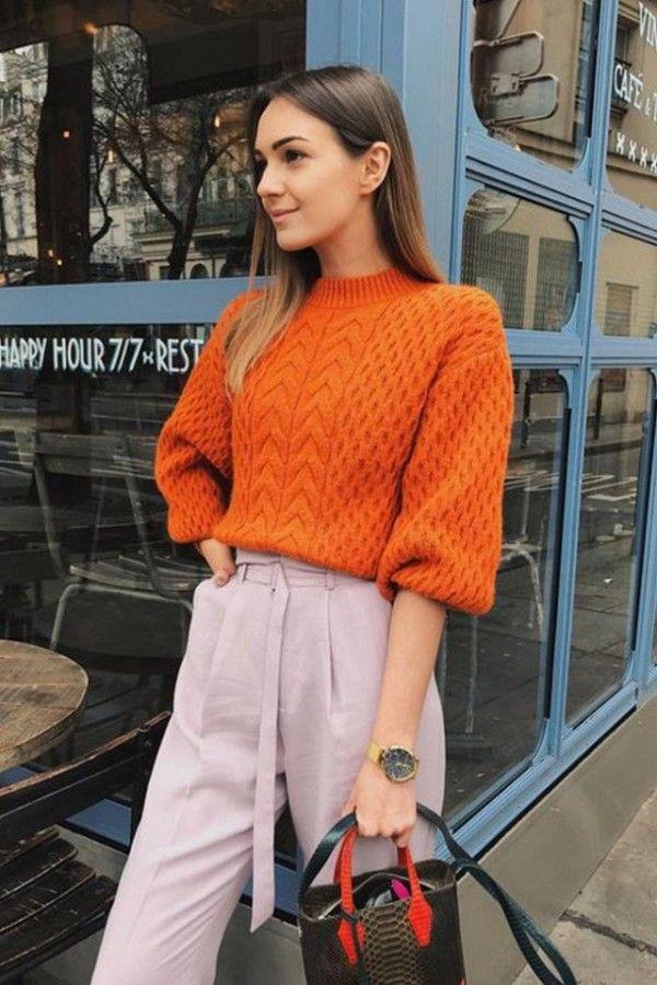 Морковный свитер оверсайз сделает вашу осень уютной.