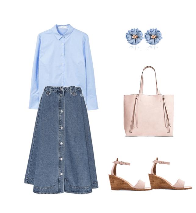 Синяя джинсовая юбка, голубая рубашка, пудровые босоножки и васильковые серьги — образ на теплый сентябрь.