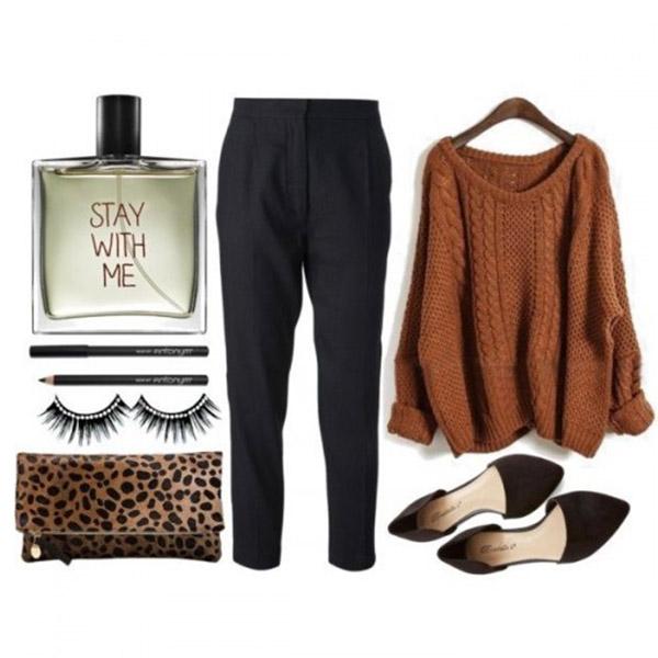В объемном коричневом свитере, брюках и балетках можно отправиться на шоппинг или в кафе.
