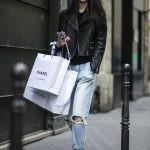 примеры образов с чем носить кожаные слипоны черного цвета