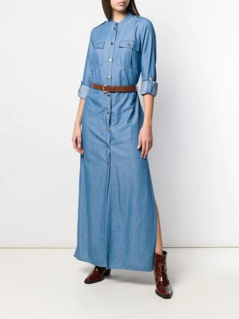 Джинсовое платье в пол с разрезом в сочетании с ремнем и лакированной обувью в тон ремня