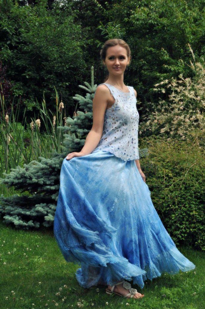 Гипюровая летняя юбка солнце с паре с шифоновой блузой без рукавов – легкий и воздушный аутфит