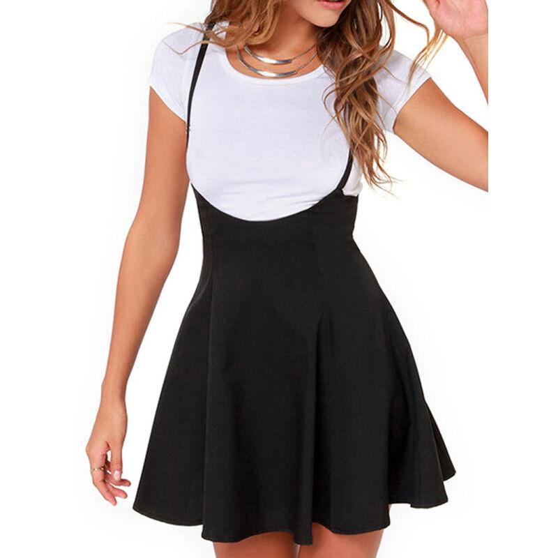 В качестве верха для юбки солнце с тонкими лямками подойдут облегающие белые футболки