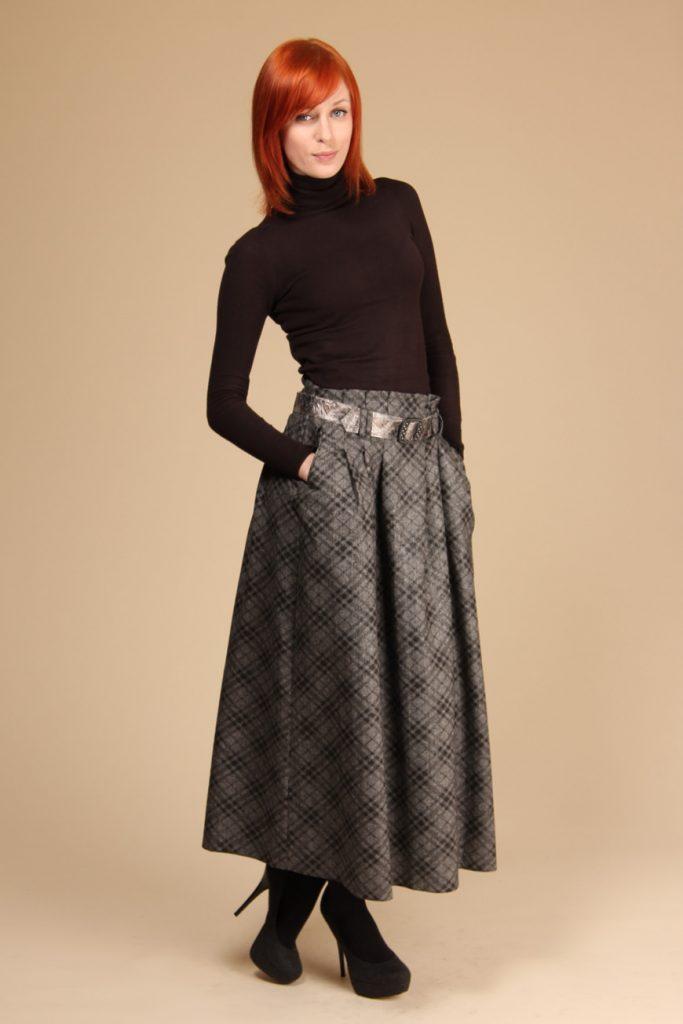 Эффектная шерстяная юбка солнце макси с прорезными карманами в дуэте с облегающим гольфом