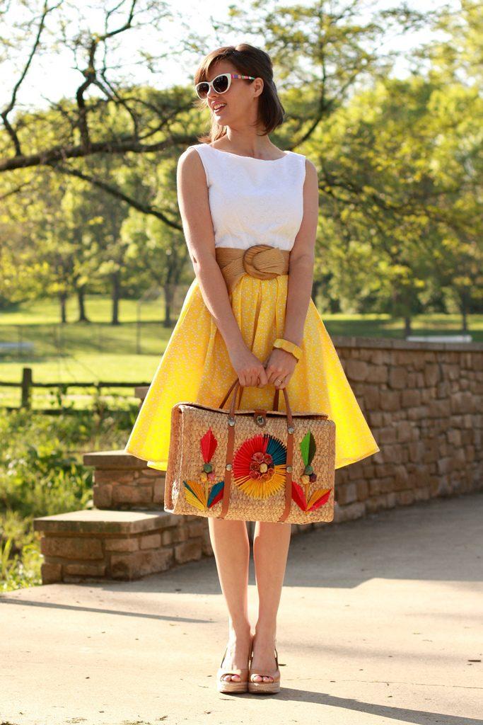 Желтая юбка солнце – «солнечный» туалет по крою и по цвету