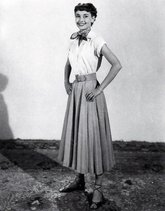 пример юбки-солнце Одри Хэпберн