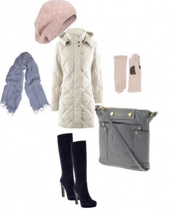 Элегантный серый пуховик – органичное дополнение комплекта в голубовато-розовых тонах и обуви глубокого синего оттенка