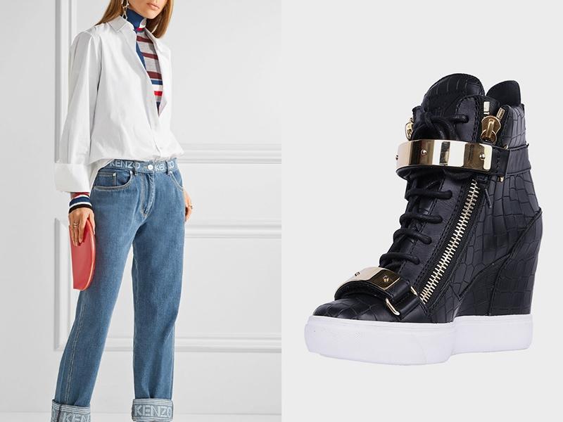 Черные сникерсвы, голубые джинсы и белая рубашка - беспроигрышный кэжуал-образ.