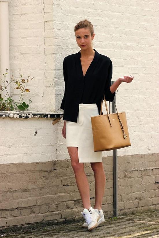 пример с черной блузой