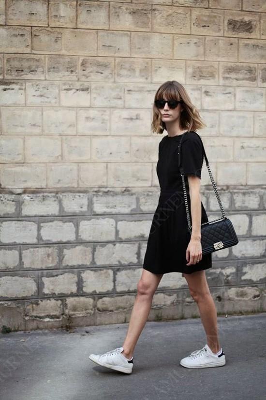 пример с черным мини-платьем