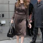 Анджелина Джоли представительница типа фигуры «Перевернутый треугольник».