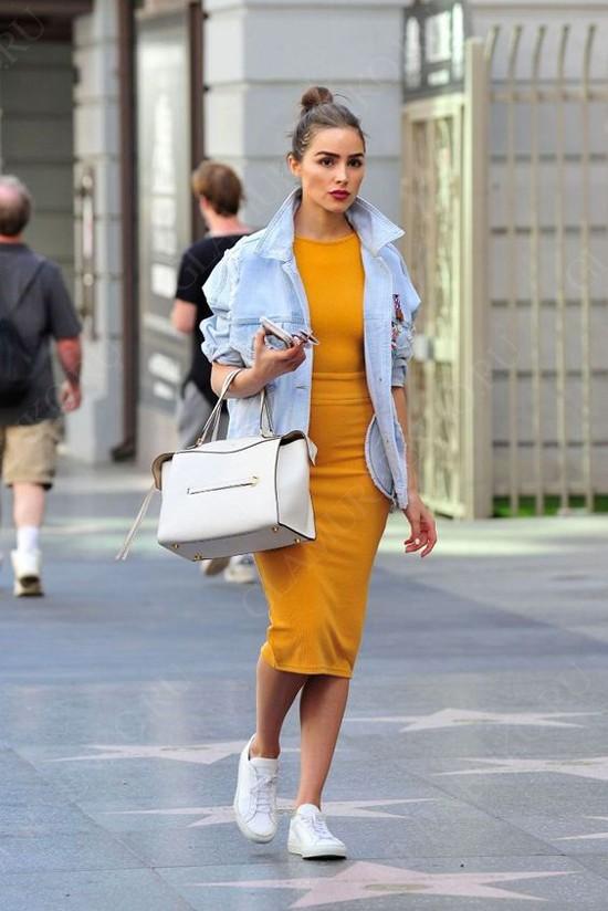 пример с желтым платьем