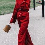 Расслабленные свободные силуэты, приятные ткани, пояса и большие воротники – да здравствует пижамный стиль!