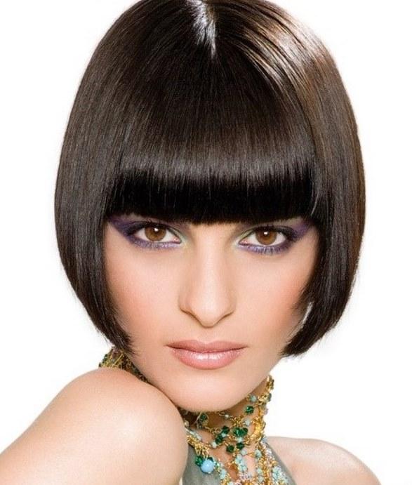 При гармоничной форме лица овал ухищрения декоративного макияжа позволят завуалировать несовершенство других частей лица