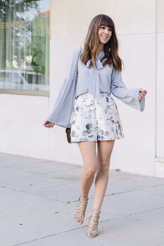 пример блуза и шорты