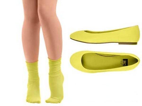 Носочки одного цвета с балетками можно надеть разве что под брюки до щиколотки