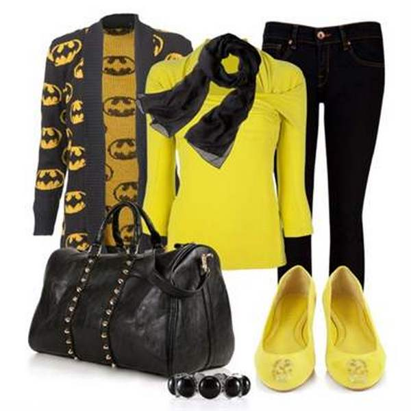 «Классика жанра» - черные джинсы, украшения и сумочка в тандеме с желтыми балетками и блузкой
