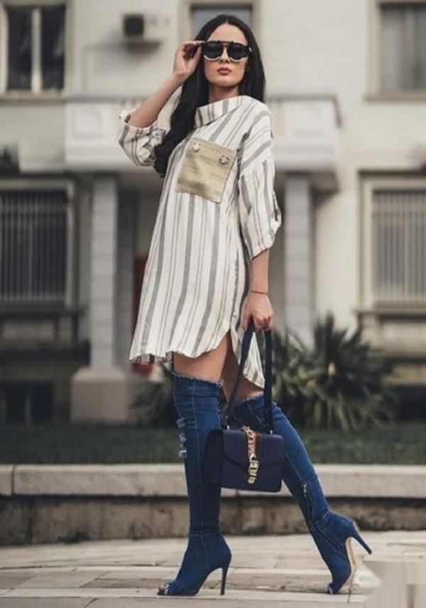 Джинсовые ботфорты – отличное завершение капсулы для вечернего неформального мероприятия в сочетании с просторным платьем-рубашкой