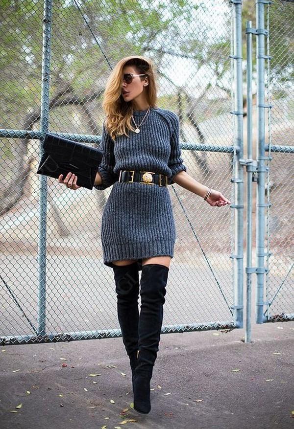 Стильные аутфиты правильно создавать с ботфортами и платьями-свитерами крупной вязки до середины бедра