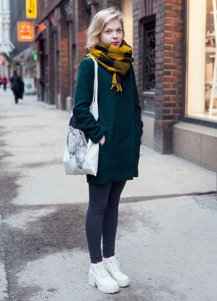 Ботинки на шнуровке послужат отличным контрастным элементом гардероба.