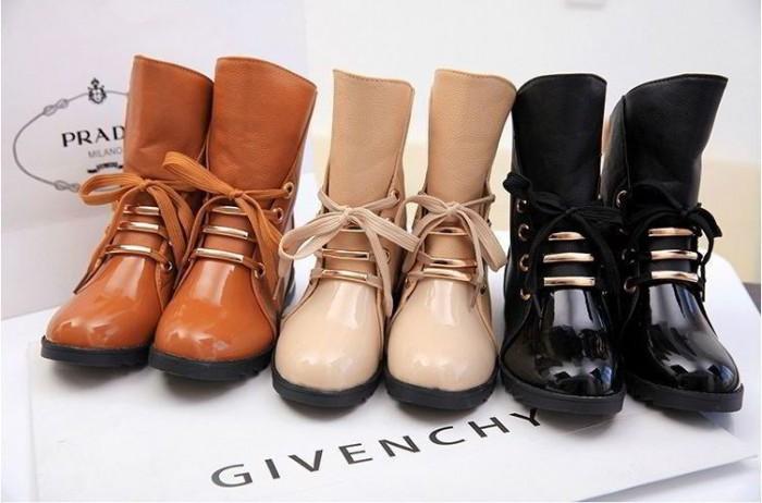 ТОП-3 модных оттенков ботинок: карамель, нюд и черный
