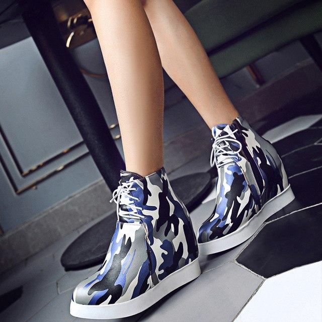 Эффектные ботиночки с принтом для смелых модниц.