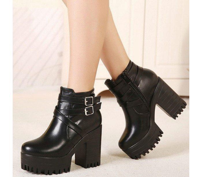 Современная модная обувь на тракторной подошве с устойчивым каблуком