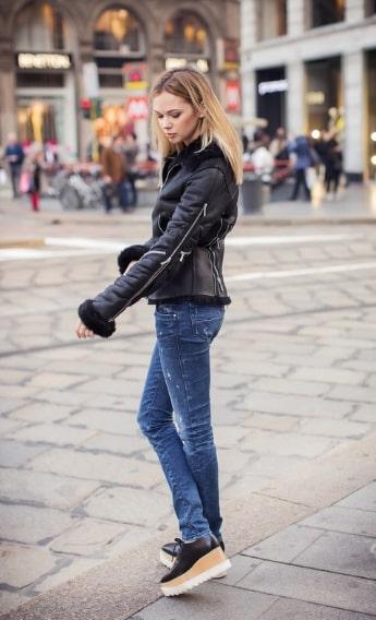 Дубленка в сочетание с ботинками на тракторной подошве позволит выглядеть стильно даже в холодное время года