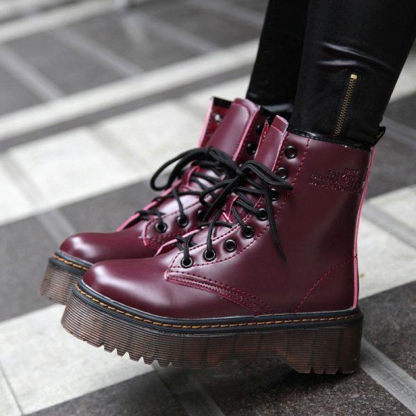 Удобные ботинки на тракторной подошве для модниц