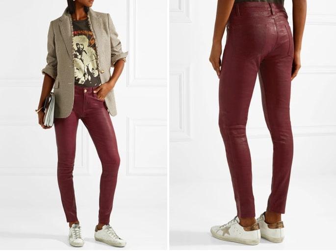 Кожаные брюки красного цвета отлично сочетаются с белыми сникерсами