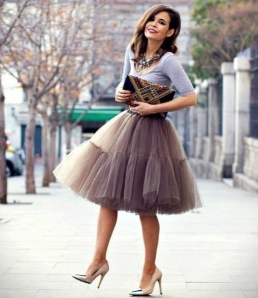 Элегантное сочетание юбки-пачки и классических лодочек