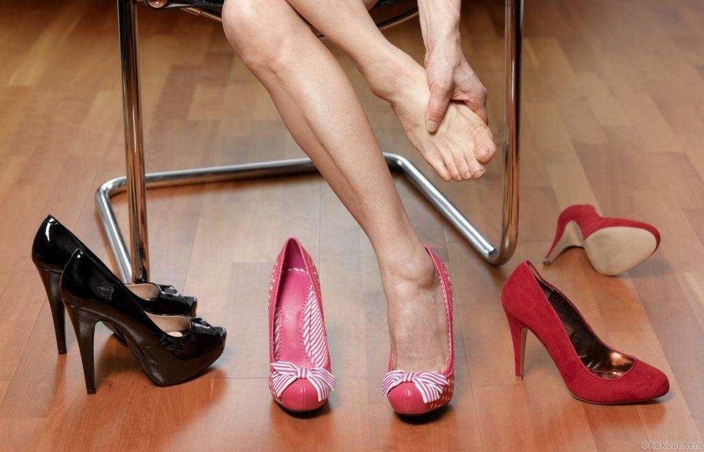 Тесные туфли можно разносить, но только в том случае, если это позволяет материал