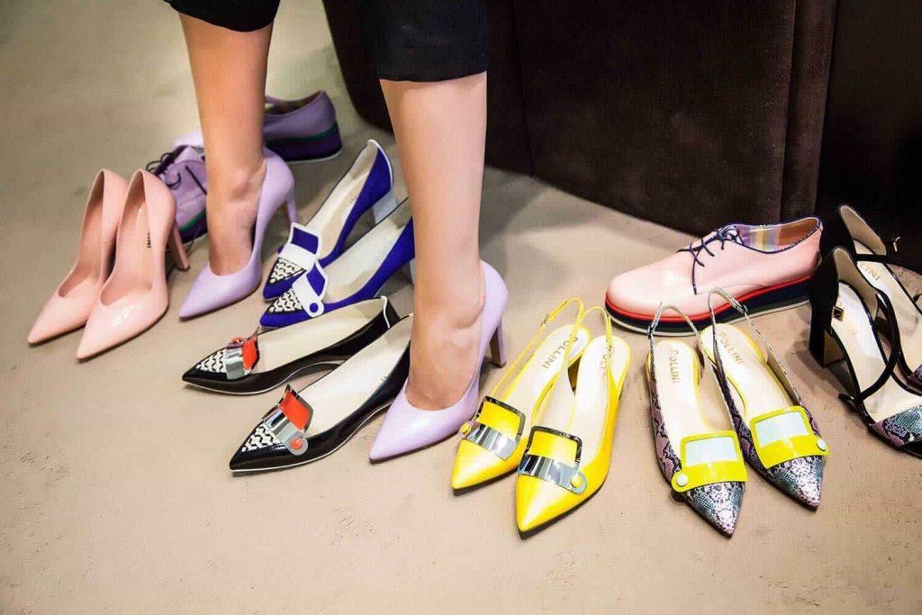 Постойте в обуви около 10 минут — это поможет быстро понять, подходит ли данная модель Вашим ногам