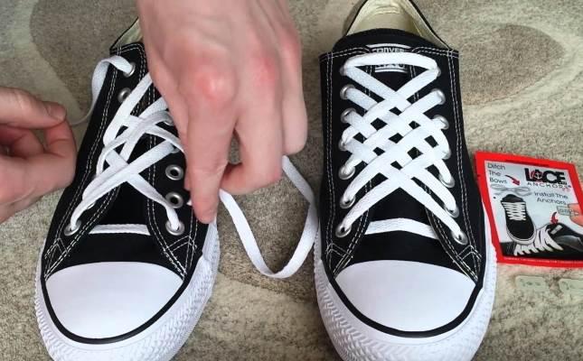 Особенно удачен вариант решетки с применением контрастного цвета шнурков.