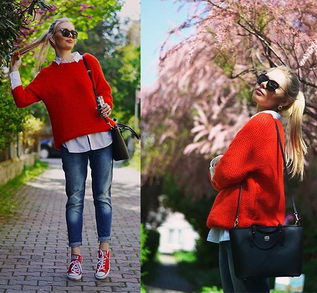 Красные кеды в сочетании с синими джинсами и светлой рубашкой особенно эффектно выглядят, дополненные свитером в тон.