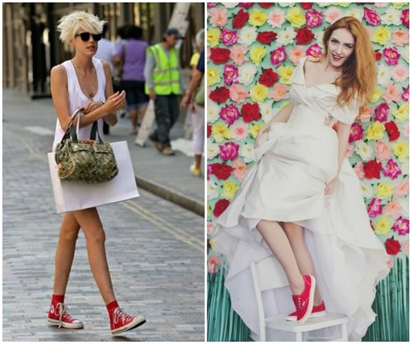 Белое платье и красная обувь - идеальное решение.
