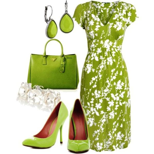 Сочные зеленые луки с туфлями в тон сделают ваше лето модным.