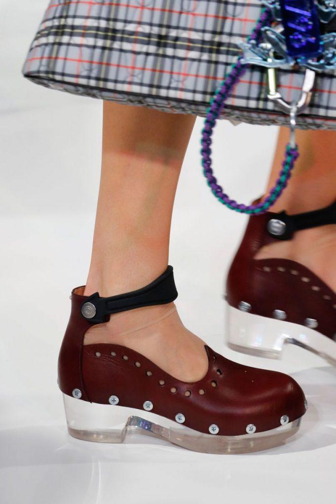 Летние аккуратненькие туфли с интересным декором.