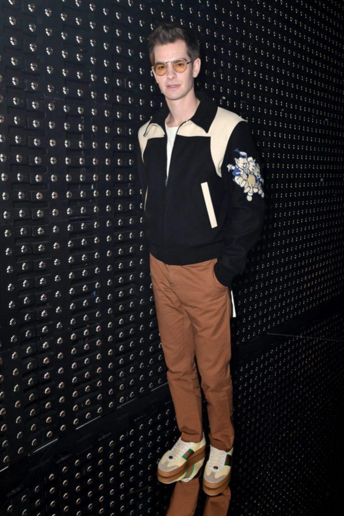 Модный образ с кроссовками от Эндрю Гарфилда.